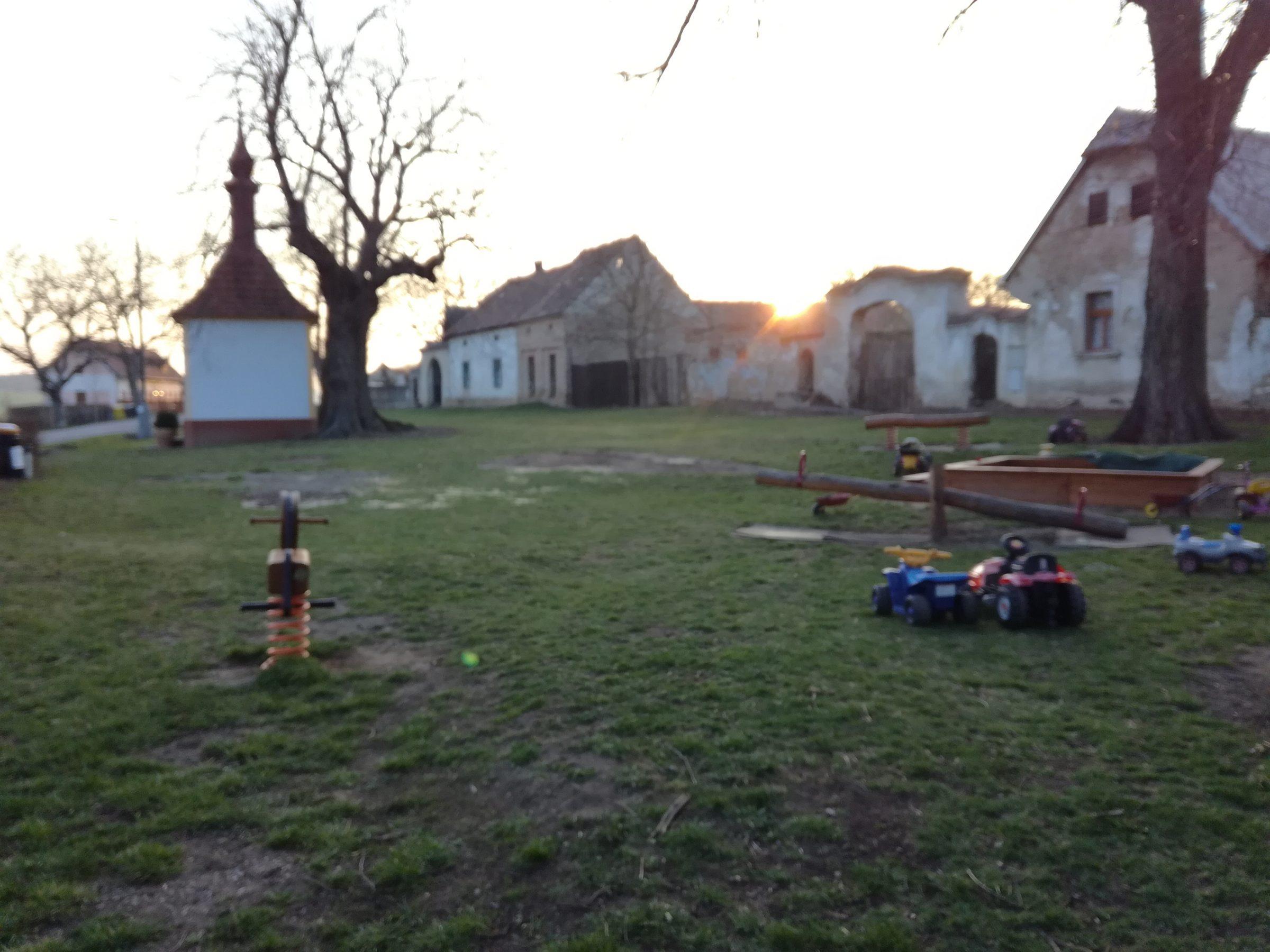 Obec Mořinka.