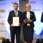 Krystian Kula i Aleksandra Czajka odbierają nagrody