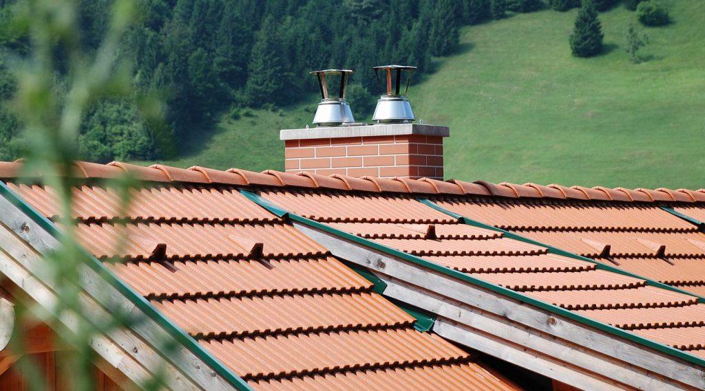 Komin w domu jednorodzinnym - na dachu