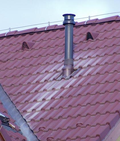 Ukážky poškodených striech od kondenzačných kotlov