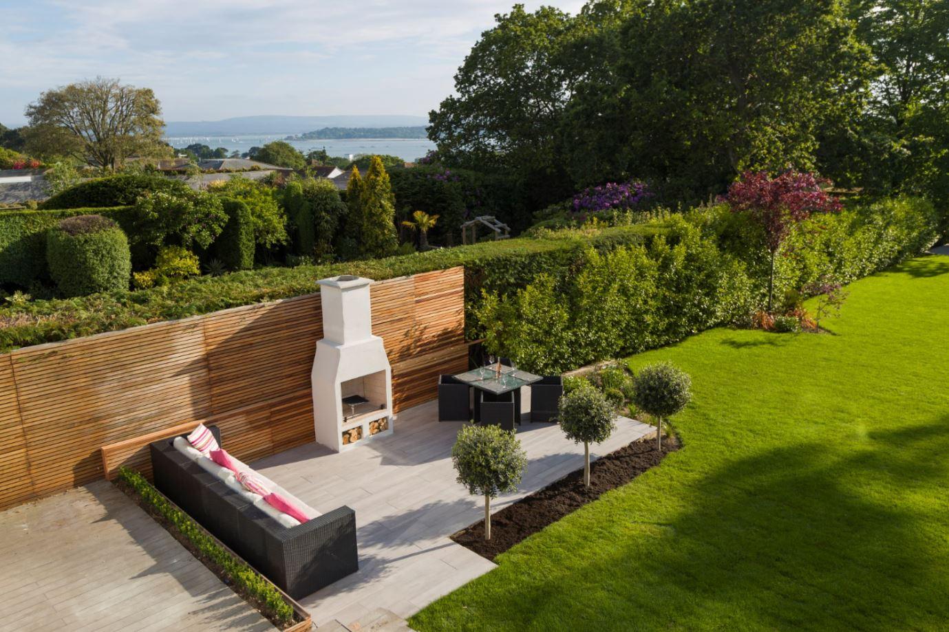Outdoor Fireplace – The Schiedel Isokern Garden Fireplace